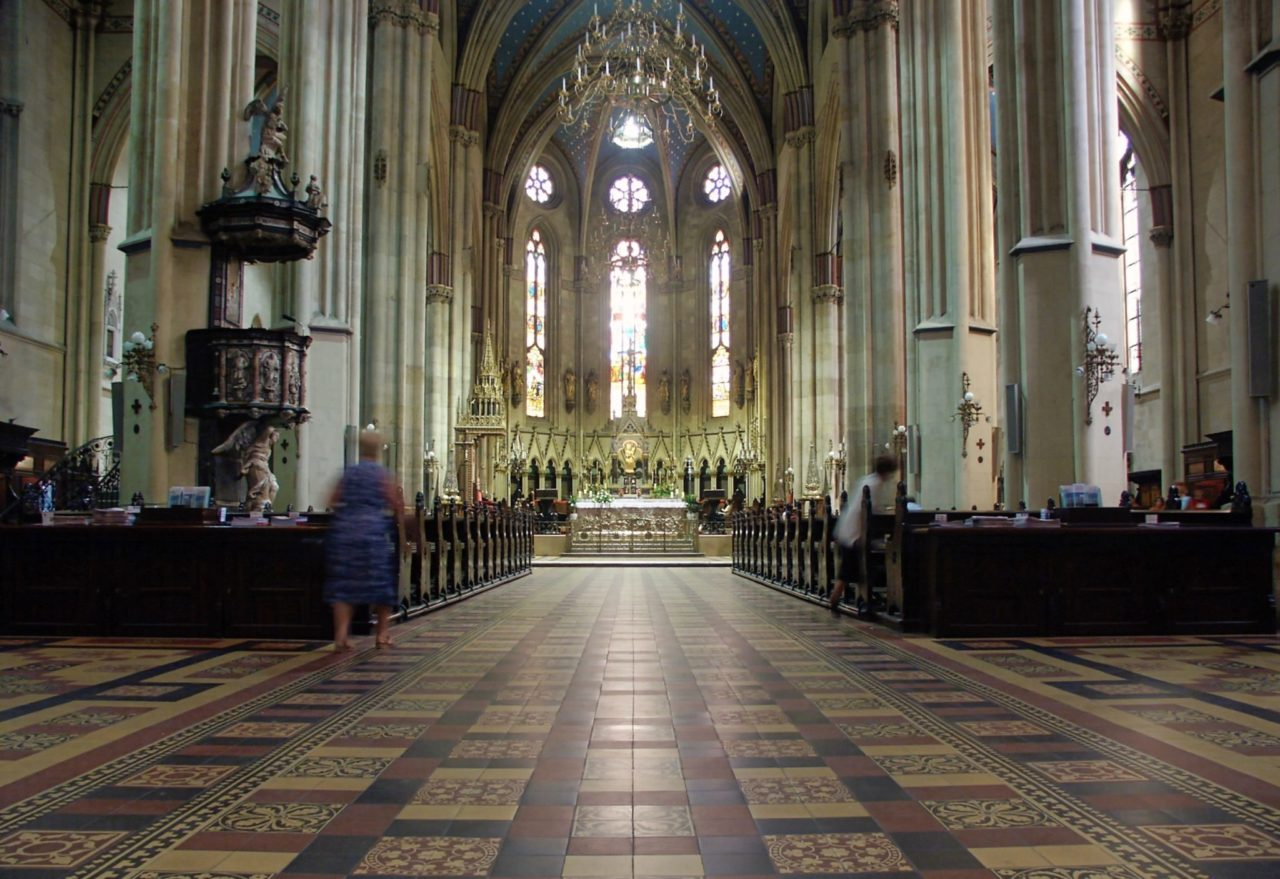 De Zagreb Cathedraal aan de binnenkant