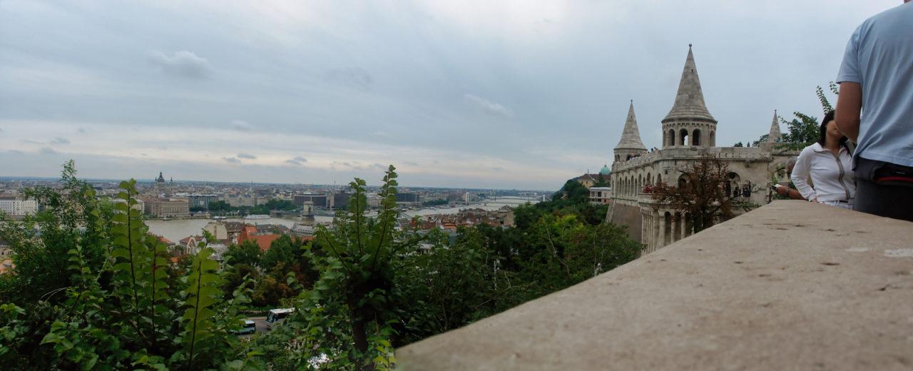 Het oude kasteel op de heuvel in Budapest